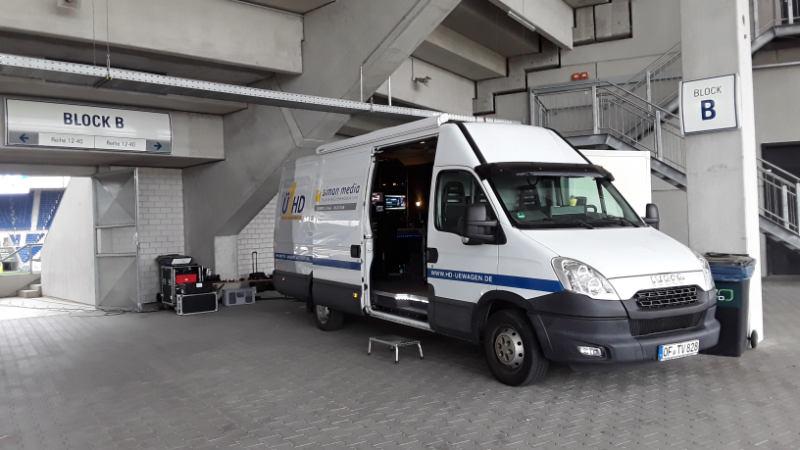 Ü-Wagen bei der Saisoneröffnung der TSG Hoffenheim